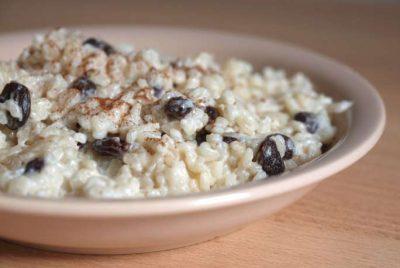 Каша рисовая с изюмом & горсть орехов