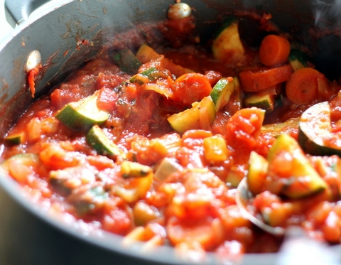 Овощная смесь в томатном соусе