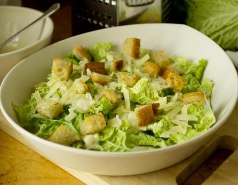 Салат из пекинки с сыром