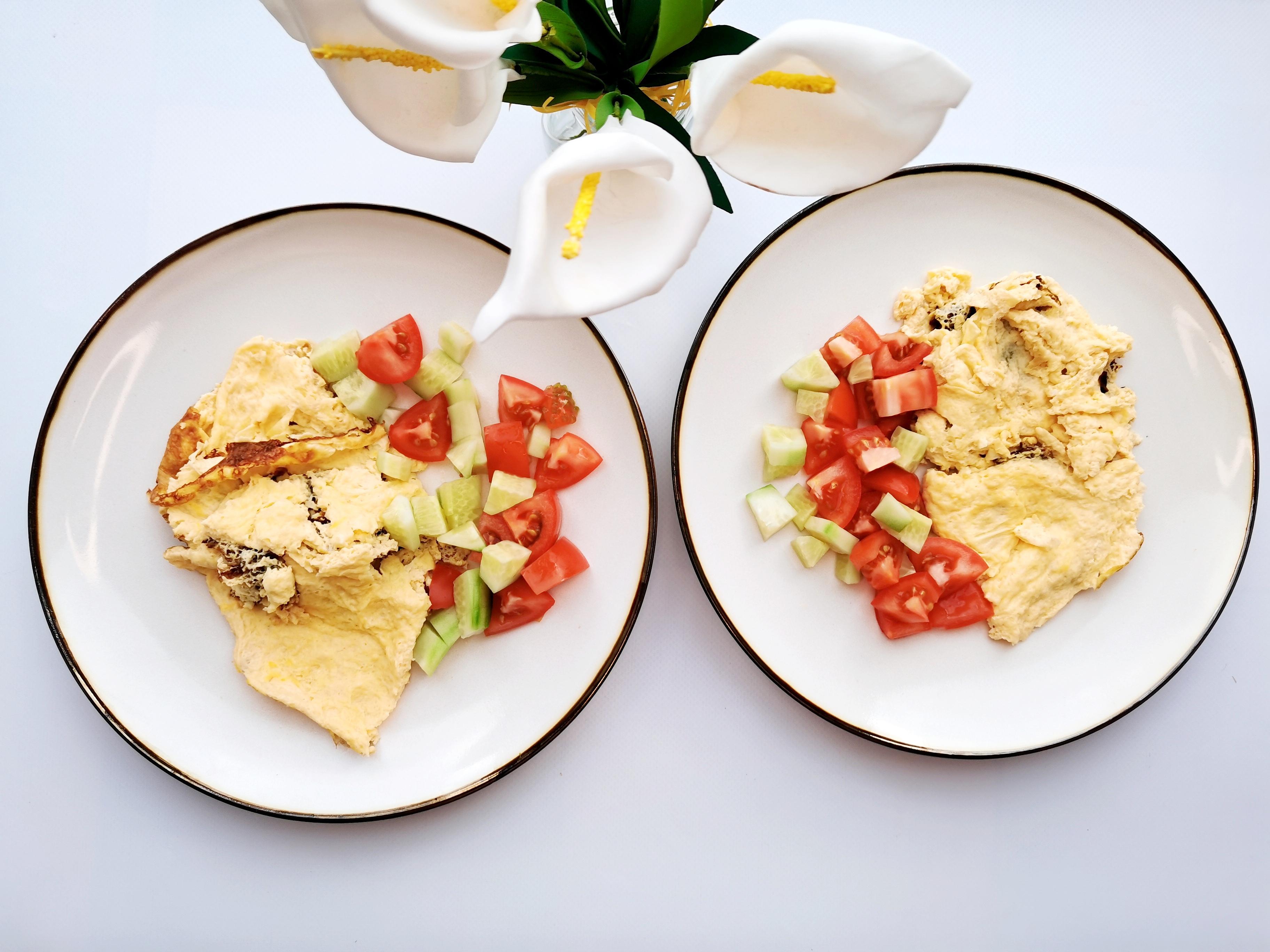 Омлет классический с салатом