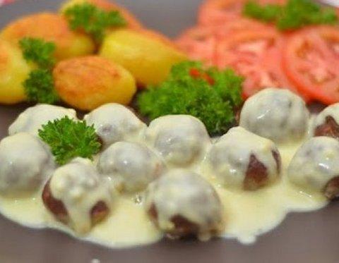 мясные шарики под соусом