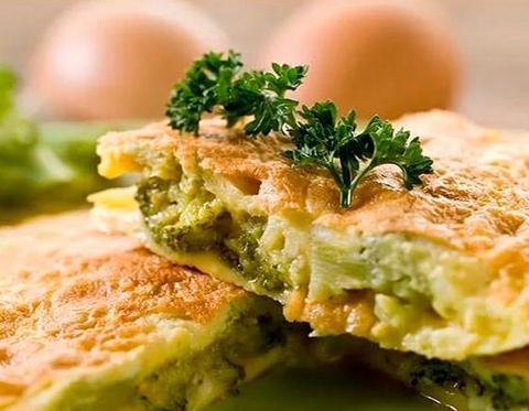 омлет с брокколи и сыром