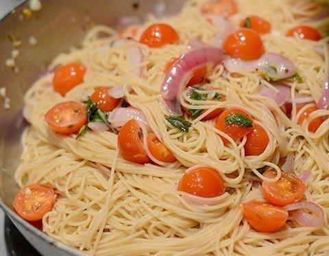 паста с томатами