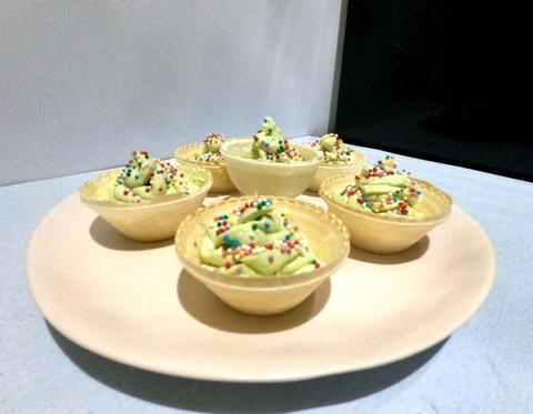 елочки из сыра и авокадо
