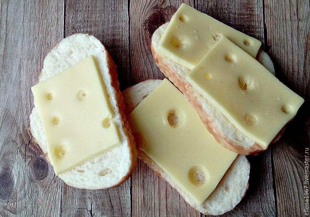 бутерброды с маслом и сыром