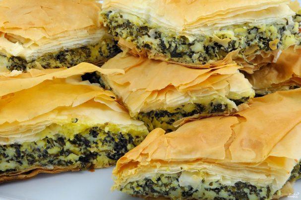 пирог со шпинатом и соленым сыром